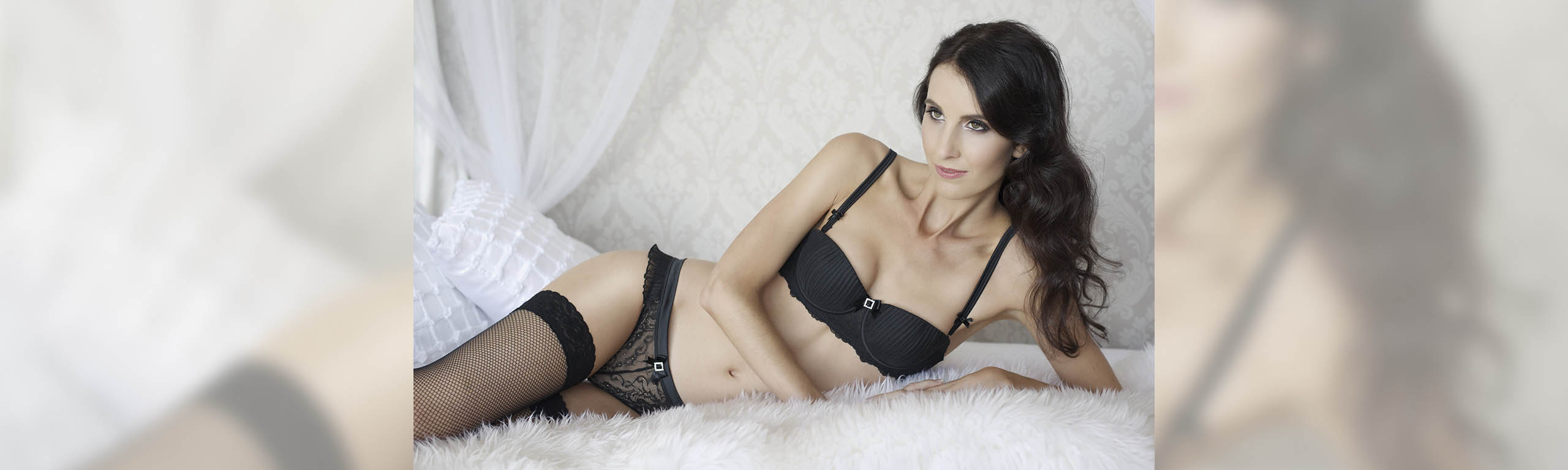 Boudoir photo of woman in lingerie