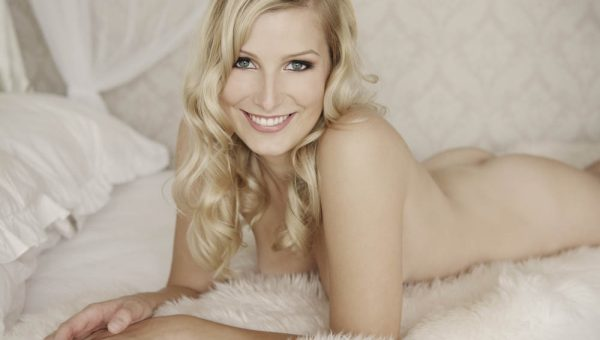 Nude glamour photography